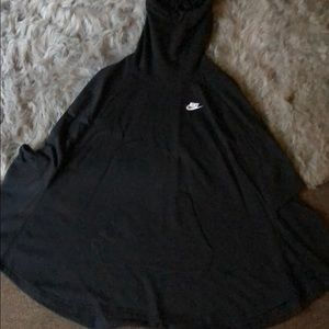 Nike poncho brand new without tags never worn